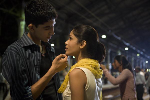 Slumdog_millionaire_new_picture